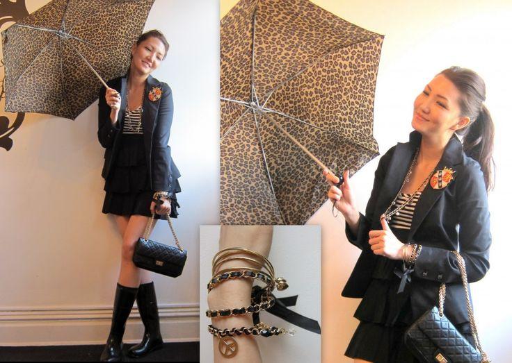 loving that umbrella.