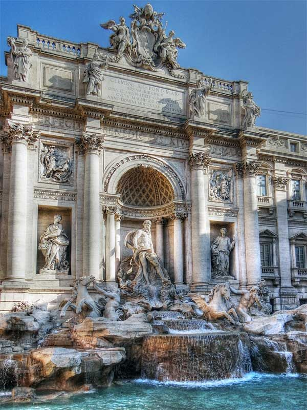 Trevi Fountain, Italy.