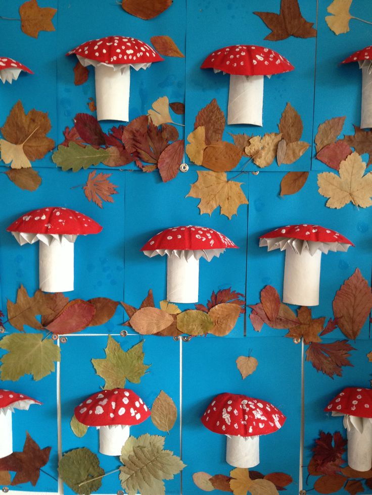Toilet Papaer Roll Mushrooms - Autumn Wall Decoration