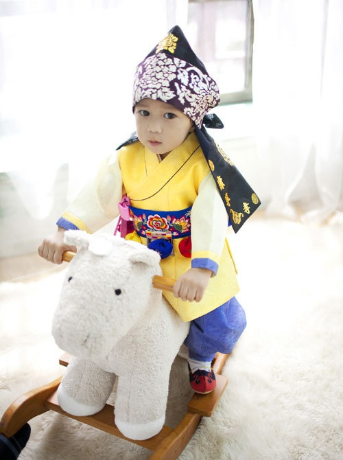 Baby 한복 Hanbok / Traditional Korean dress