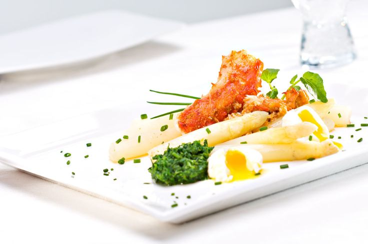Warm Salad of Curry Crab with White Asparagus, Watercress and Quail's Eggs