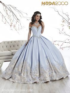 2017 ELEGANT SKY BLUE / CHAMPAGNE QUINCEANERA DRESS! Follow us on instagram for daily updates @moda_2000