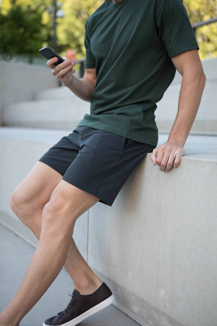 Non-Stop Shorts | Cobba launch collection | Men's fashion | Men's shorts | Urban men | City life | Urban living | Gym shorts | Mid length | Everyday Shorts | Home | Manson Black | Kickstarter | Smart Shorts |