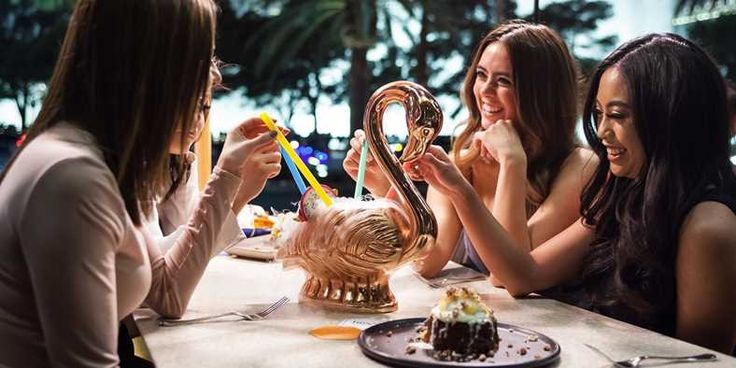 HEXX at Paris Vegas: Drinks & Desserts; $69 for Dinner for 2