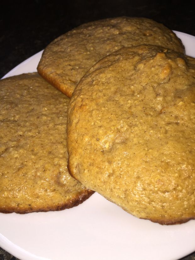 Protein Snickerdoodles  Ingredients: 1/4 cup Rolled Oats 1 1/2 Scoops PEScience Snickerdoodle Protein Powder 1/4 cup Truvia Baking Blend 1/4 tsp Cinnamon 1/4 tsp Baking Soda 1/4 cup Ma…