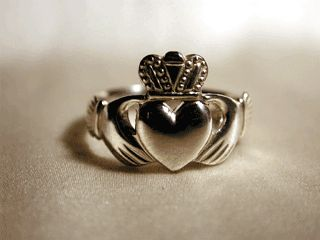 17 best images about royal claddagh on pinterest loyalty. Black Bedroom Furniture Sets. Home Design Ideas