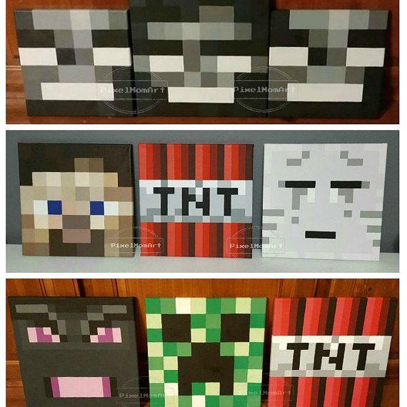 Minecraft inspirado tema personalizado pantalla en Plaza lienzo bloques son mano pintada, personalizado y modificado para requisitos particulares a su nombre o a nombre del niño. Puede utilizarse como apoyos de la foto o exhibición de la tabla ya que pueden estar parado verticales por su propia cuenta, o pueden ser individualmente colgados en la pared.  * El precio mostrado es para una pintada (sólido o patrón de fondo) square.* de la lona  La pantalla de la carta que se muestra en este…