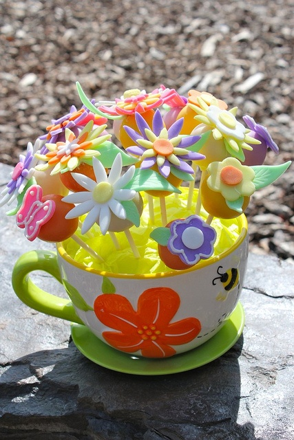 by PetiteDelightsbyMichele, via Flickr  Mother's Day Cake Pop Bouquet