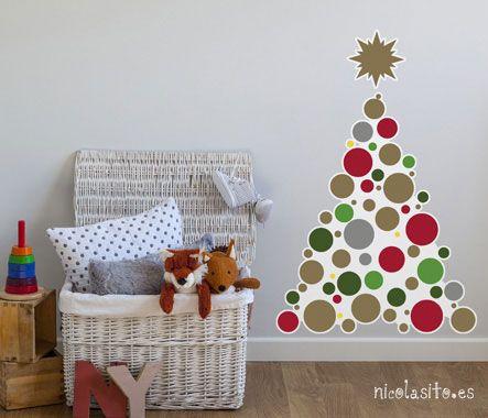 Foto de dormitorio infantil con #decoración navideña de árbol de #navidad 2014 #christmas tree #wallstickers