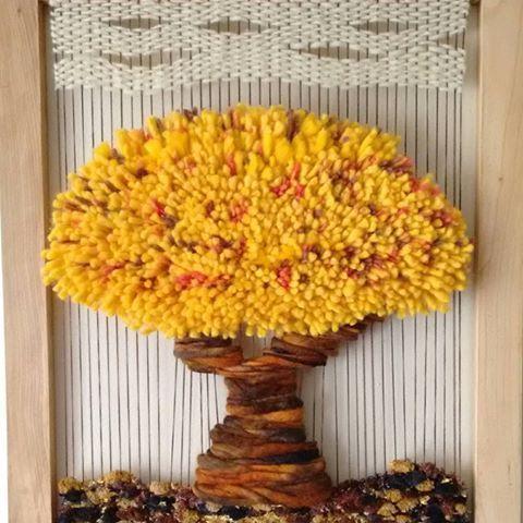Telar decorativo Árbol de la abundancia Dimensiones: 64×54 cm #telar#arboldelavida#arbol#decoracion#amarillo#creacionesmamakika