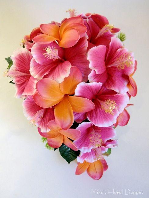 Hibiscus & plumeria bouquet - $110 Approx. 23cm (W) x 33cm (L) --- 9 in x 13 in