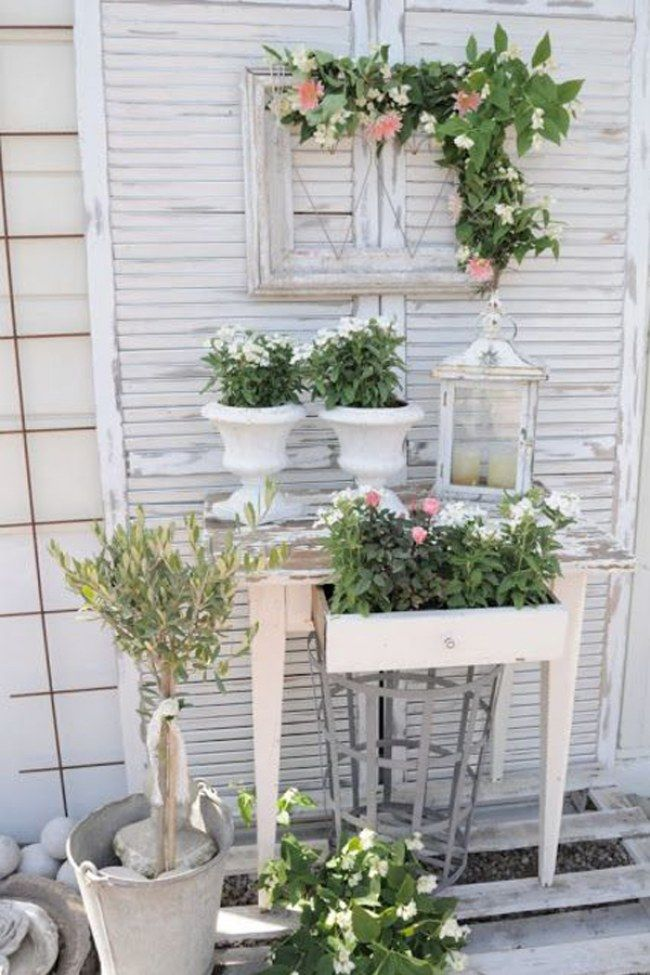 die besten 25 shabby chic garten ideen auf pinterest shabby chic dining esstisch mit st hlen. Black Bedroom Furniture Sets. Home Design Ideas