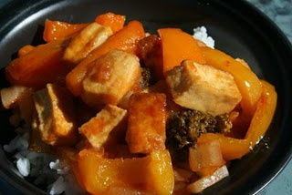 CrockPot Sweet and Sour Tofu - will have to use my own sweet and sour sauce cuz this recipe uses store bought