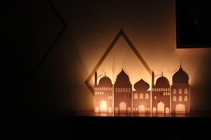 Ramadan crafts - DIY Paper mosque lantern – Free printable!
