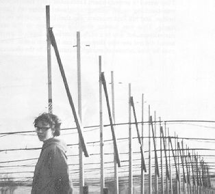 Jocelyn Bell Burnell with the radio telescope antenna at Cambridge. Jocelyn discovered Pulsars