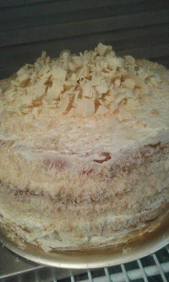 Dulces Tentaciones & Cookies Express.Tortas caseras a pedido: torta de coco y maracuya