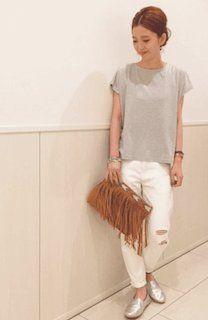 優しい色合いで合わせ方も自在♡やっぱりグレーのTシャツが好き♡