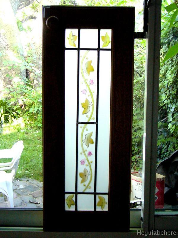 Puerta con vitraux puertas con vitrales pintados acompa for Puertas de madera blancas con vidrio