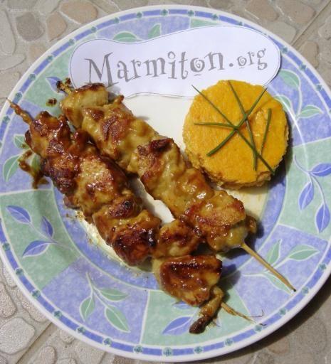 Brochettes de poulet express aux épices - Recette de cuisine Marmiton : une recette