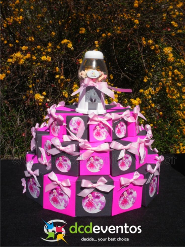 Mesa Temática Barbie. Candy bar y Cake box.