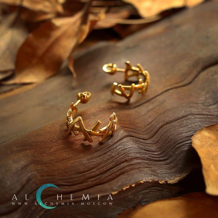 Cерьги «Хворост» из коллекции «Восток». Выполнены из золота 585 пробы или из серебра 925 пробы.
