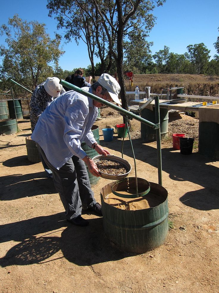Qld_11_10022 | by kengpics - sapphire sieving at Rubyvale