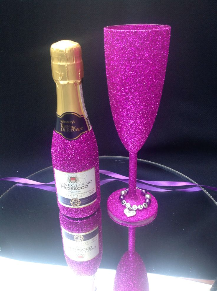 Small bottle of prosecco and glass choice of colours £13.99