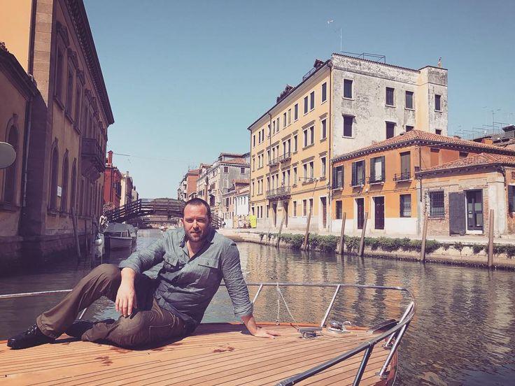 Sully in Venice (Italy) filming Blindspot S3 #blindspot #sullivanstapleton #kurtweller