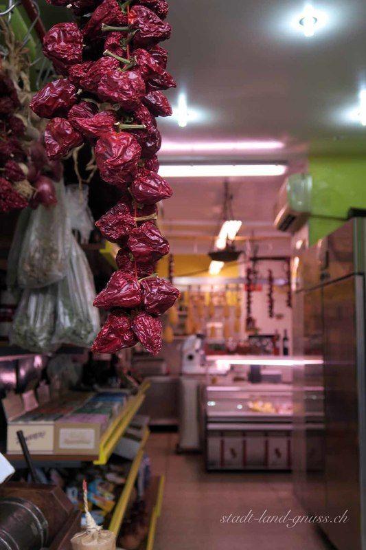 Peperoncini in Rossano, Kalabrien. Genuss in italien. Reisetipps.