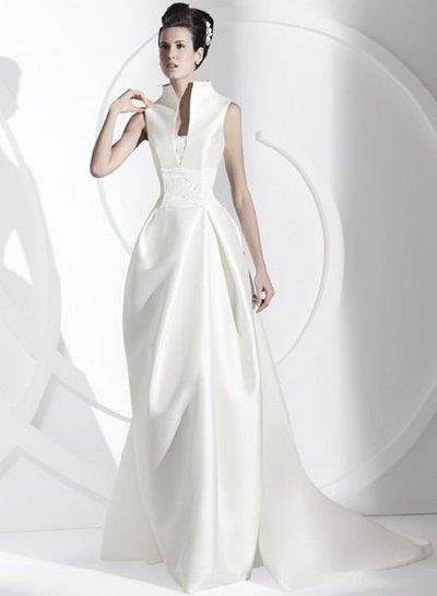 Свадебное платье с высоким воротом