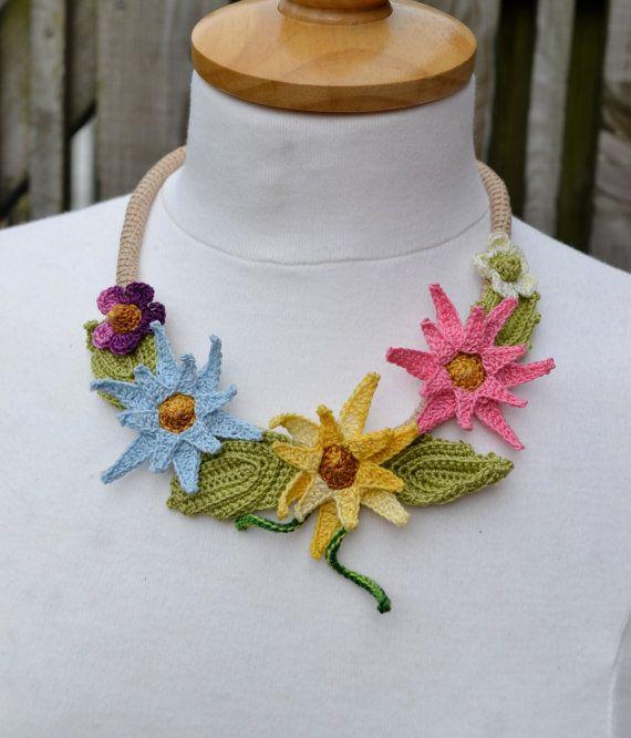 Crochet necklace choker flower floral cotton in ★by FlowersbyIrene