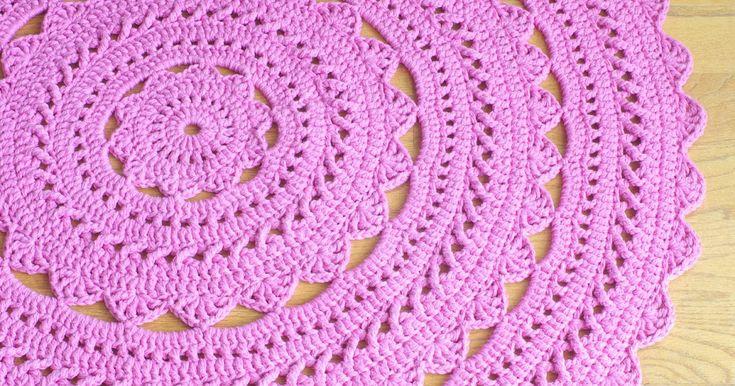 Tapetes Redondo de Crochê Sofisticados  tapetes redondos  tapete redondo de crochê  com  gráfico e receita  para você fazer passo a passo ....