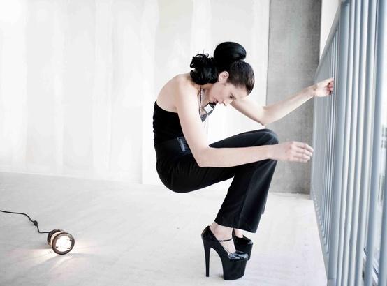 LOFT Serie.   Photographer: Olga Simonenko  Hair & make-up: Janet Brakel  Styling: Ashley Deighton  Models: Leanne Eline & Sanne Helbers