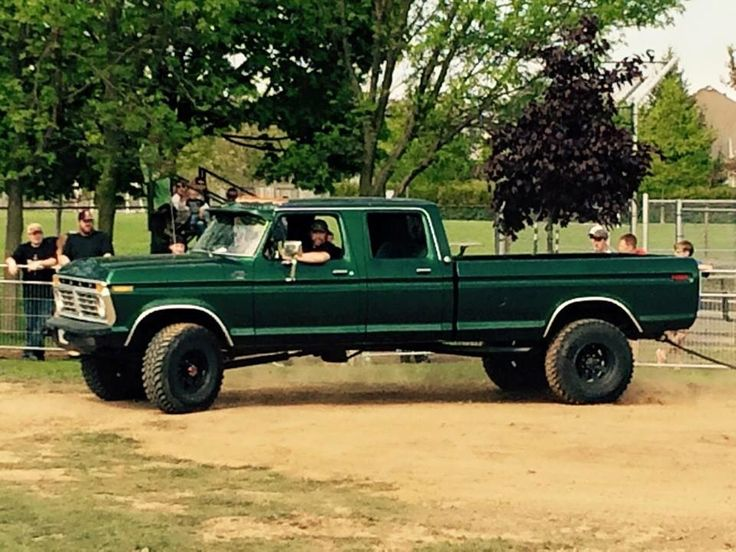 Ford crew cab. LOVE this! the color just works so well on it.
