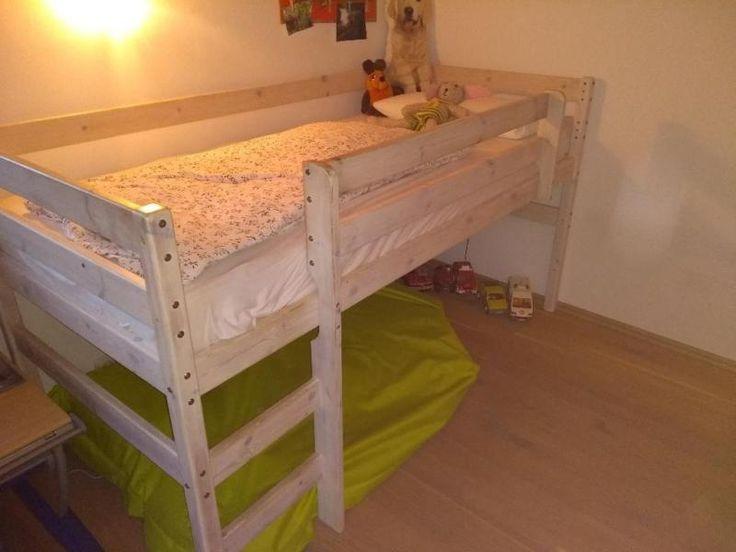 Verkaufen zwecks Neuanschaffung unser Kinder Hochbett<br /><br />Masse:<br />Länge:210cm<br...,Hochbett Kinder Bett weiss Massiv Holz halb hoch in Bayern - Flintsbach am Inn