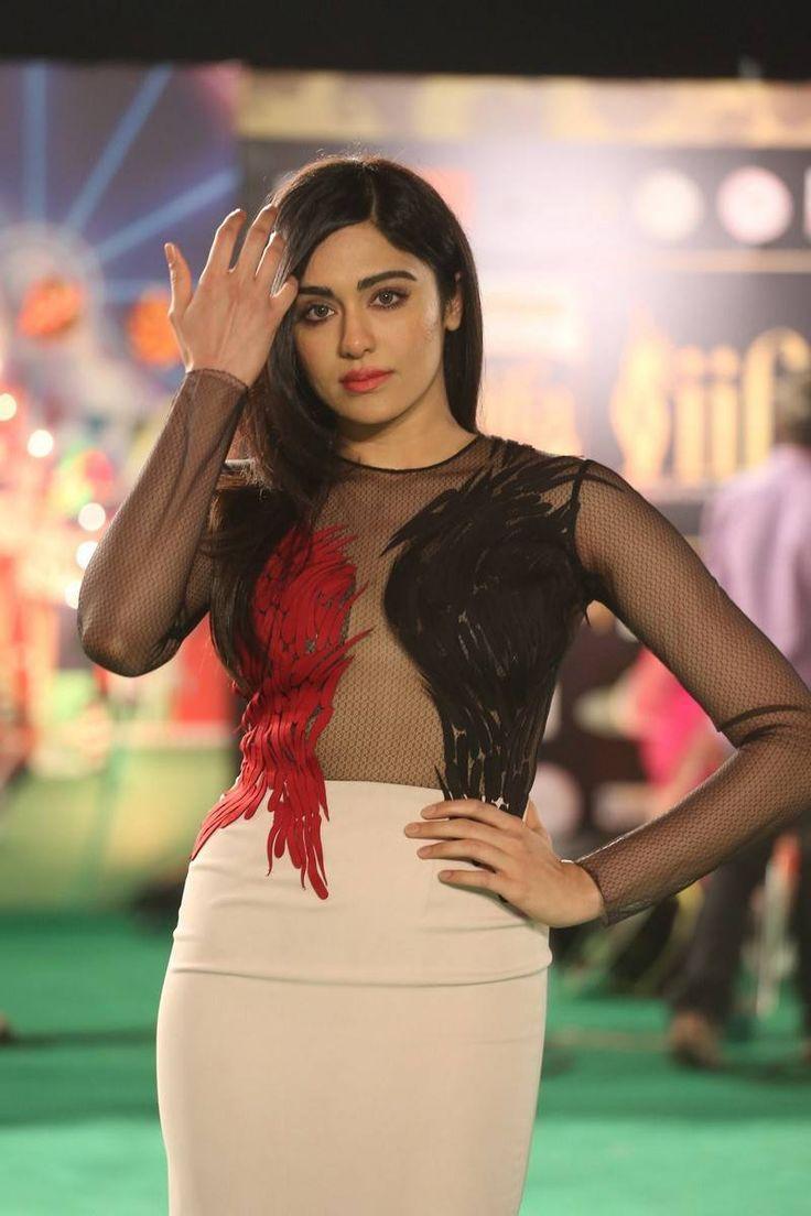 Adah Sharma at IIFA Utsavam Awards 2016
