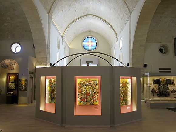 Agia Ekaterini (St Catherine) Museum #heraklion #seesights http://cretazine.com/en/heraklion/city-guide/what-to-see/item/2220-st-catherine-museum