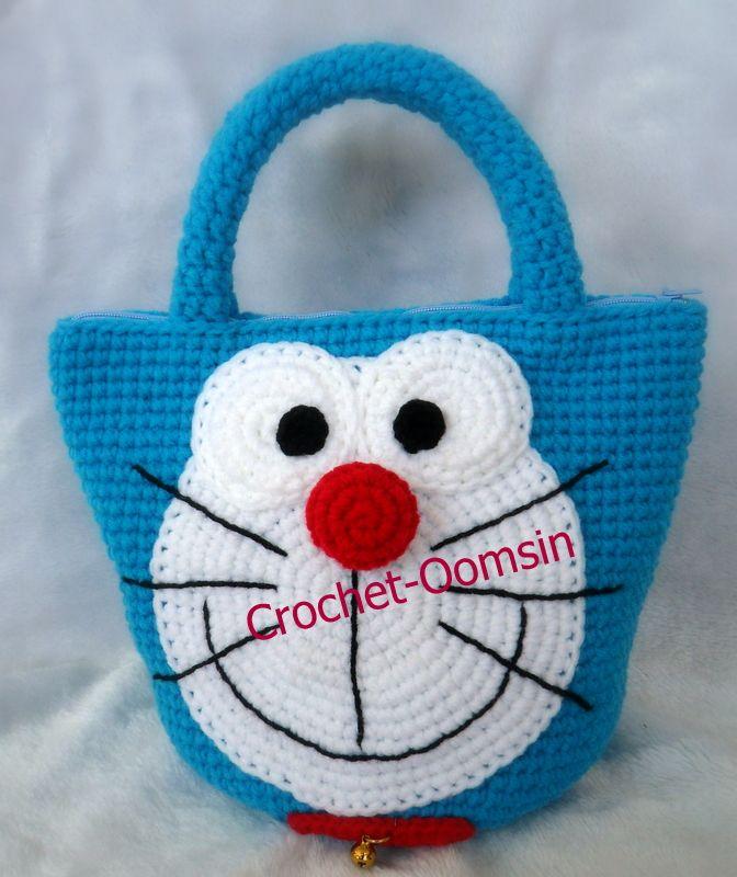 แพทเทริ์นกระเป๋าถือโดเรม่อน - www.crochet-oomsinagain.com : Inspired by LnwShop.com.  150.00 THB  for item 5/14.