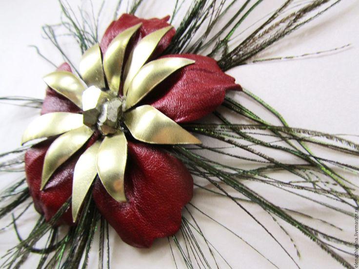 """Купить Брошь-трансформер из кожи """"Золотое рождество"""" - ярко-красный, золотой, золото, пирит натуральный"""