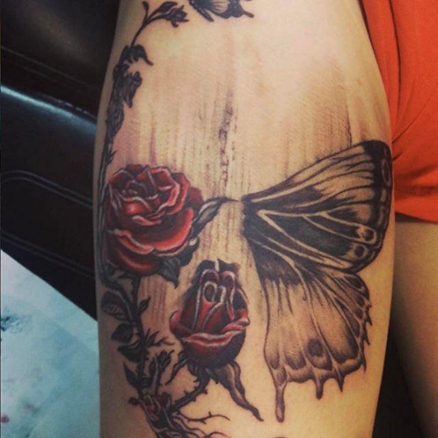 Hidden skull in roses and butterfly by Johnny @yiannidrakakidis #tattoo #tattoos #tat #ink #inked #tattooed #tattoist #coverup #art #design #skinart #sleevetattoo #handtattoo #chesttattoo #photooftheday #tatted #bodyart #tatts #tats #amazingink #tattedup #inkedup #nctattooers #inkedmagazine #tattoosforwomen  #skull #butterfly #rose #beautiful