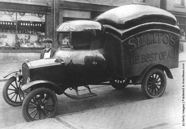 """Sillito's """"The Best of All"""" Bread Truck (1925)"""