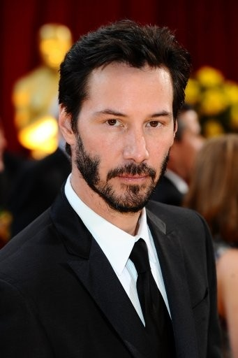 Keanu Reeves. with or without beard, Keanu Reeves is just beautiful
