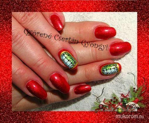 #nail #nails #nailart #beauty #nailsalon #naildesign #nailstyle #style #pinkcadillac #red #rednails #gyongyinail #christmas #christmasday #christmasnails