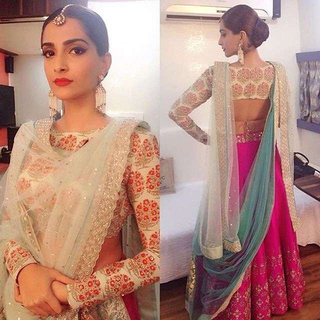 Today is Dhanteras, the first day of Diwali. So here's some Diwali outfit inspiration... The ever beautiful @sonamkapoor wearing @anjumodi. Love the traditional print, full sleeve blouse, gorgeous colours, and even the perfect dupatta setting!