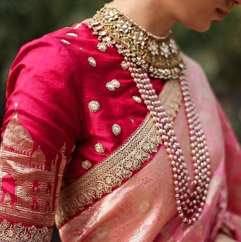 Is that a Taj Mahal motif on a blouse?! <3 Sabyasachi even makes his blouses so beautifully!