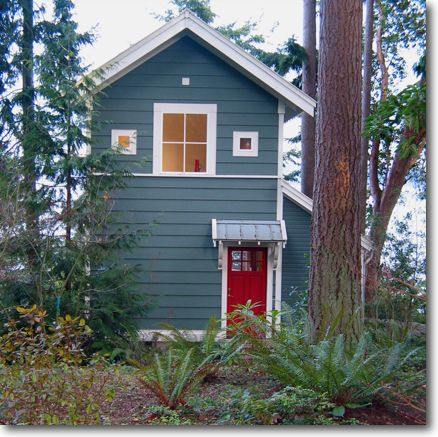 28 best ideas about cabin ideas on pinterest for Small cottage exterior colors