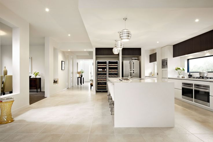 Bentleigh 49 entry and kitchen.