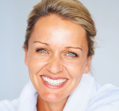 Top 3 Simple Natural Anti-Aging Tips For Eyes!