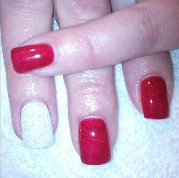 LCN #gelnails #bling #red #LCNproductsonly #facebookgetnailedbyApril #christmas #white