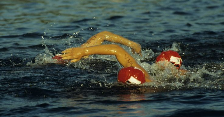 Programa de Treinamento Gratuito para Meio Iron Man. Na prova de triatlo Meio Iron Man, você nadará quase 2 km, pedalará cerca de 90 km e correrá aproximadamente 21km, com apenas uma breve transição entre os eventos. O treinamento para os eventos pode levar meses, dependendo do seu atual nível de condicionamento e experiência. Contratar um personal trainer é uma opção para preparação, ou você pode ...